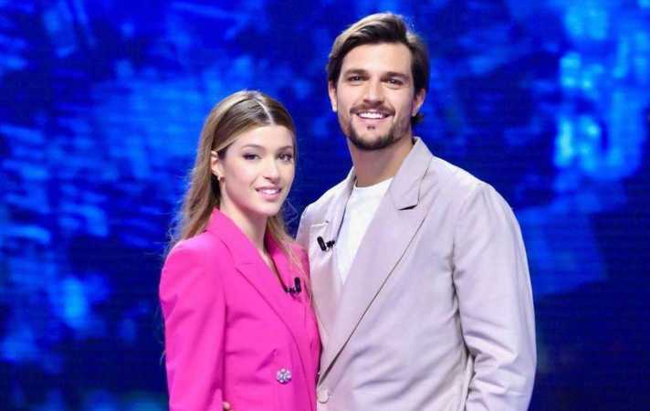 Andrea Zelletta e Natalia paragoni on Facebook