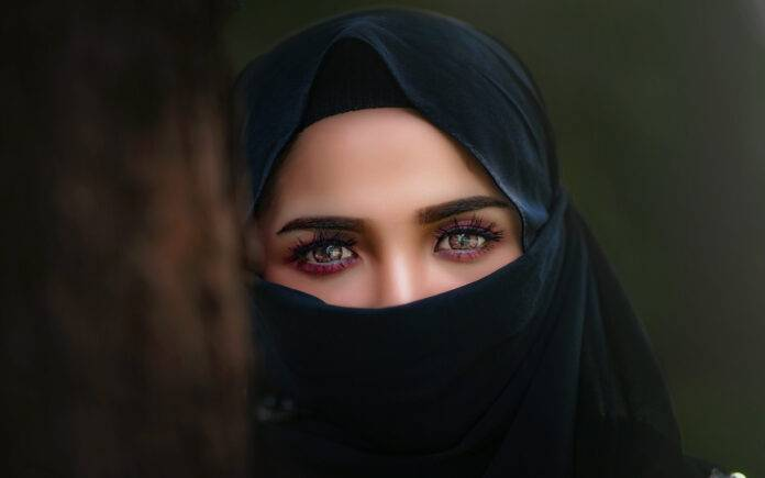 Donna velo Iran Hamdam (Pixabay)