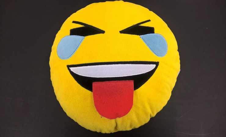 Emoji risata Emoji Italia (Pixabay)