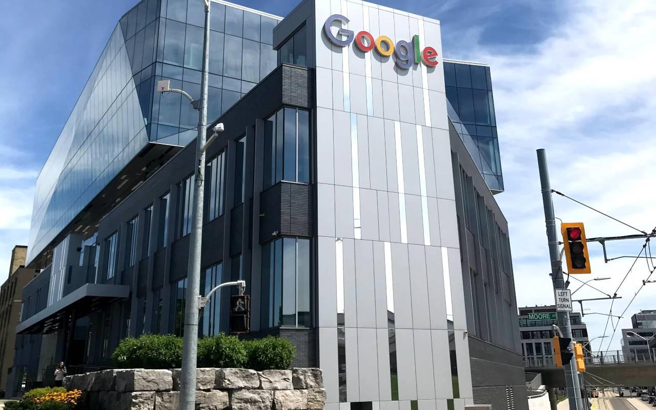 Google segnalibri chiude (Unsplush)