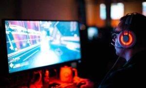 Videogiocatore Facebook Gaming (Unsplush)