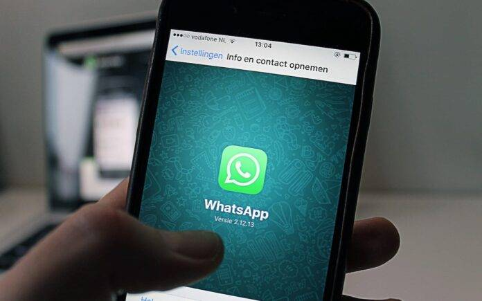 WhatsApp su quattro dispositivi