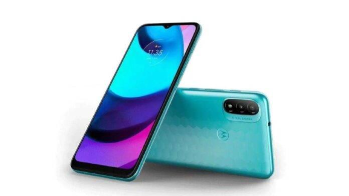 Arriva il nuovo Motorola E40: svelata la scheda tecnica e foto