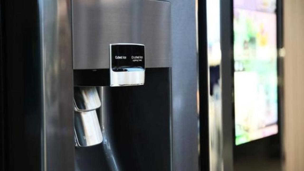 Un frigorifero intelligente che ci avverte sulla scadenza dei cibi